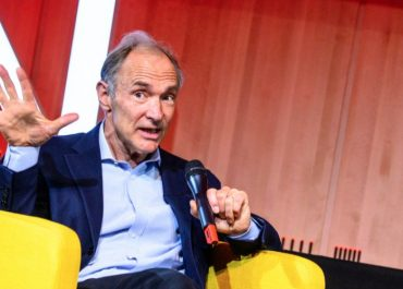 As Web Turns 30, Pioneer Tim Berners-Lee Says 'You Should Have Complete Control of Your Data'
